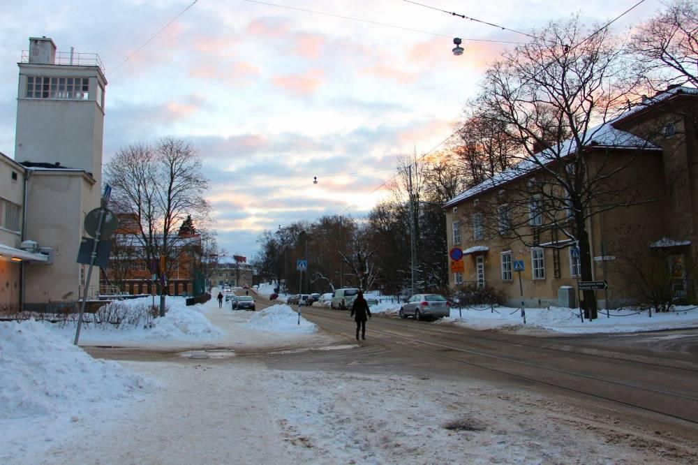 積もった雪が一部溶けているヘルシンキ市街