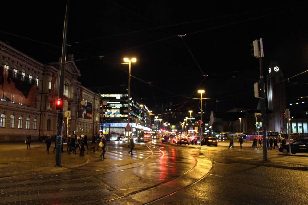 夜のヘルシンキ市中心