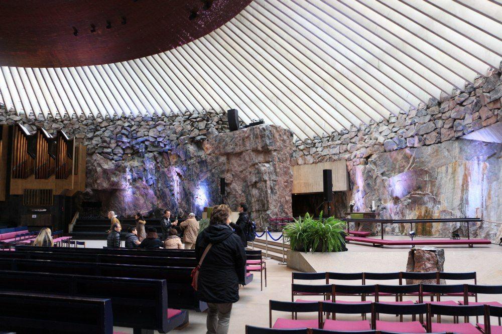 石の教会Temppeliaukion kirkko内部