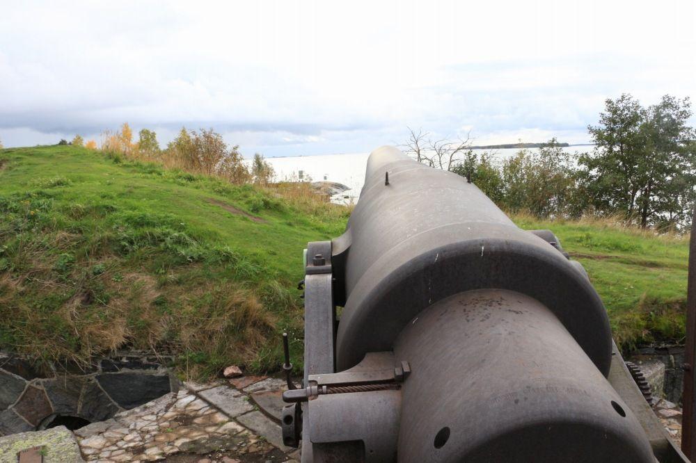 スオメンリンナにある巨大な大砲