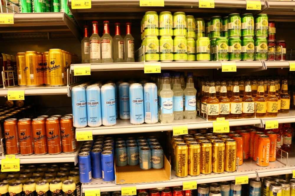 フィンランドのスーパーのお酒コーナー