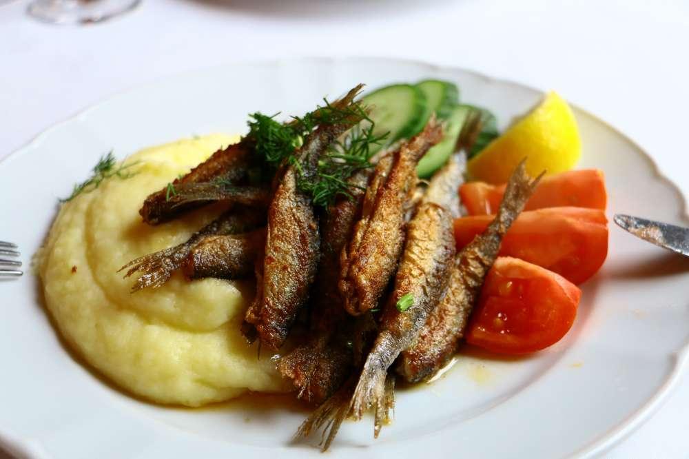 フィンランド料理の小魚揚げ