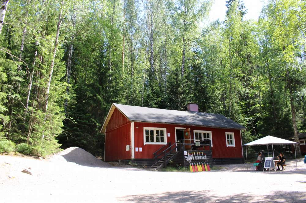 ヌークシオ国立公園入り口近くにあるレンタル小屋