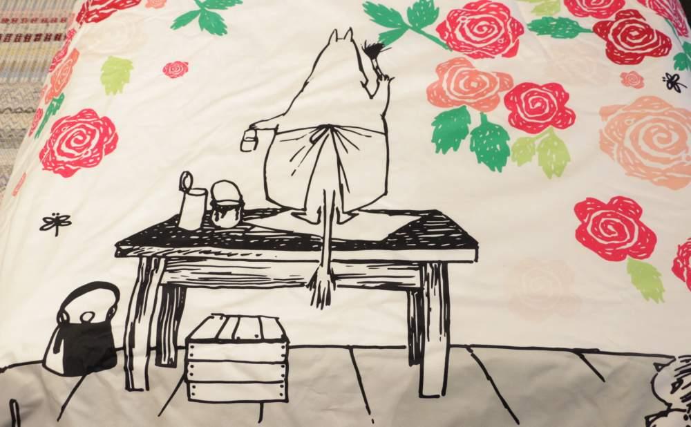 フィンレイソン掛け布団枕カバーセットムーミンママとローズガーデン2017のムーミンママ細部画像