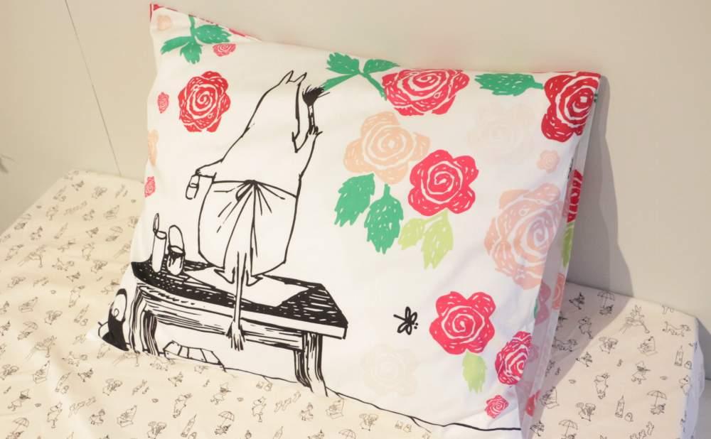 フィンレイソン掛け布団枕カバーセットムーミンママとローズガーデン2017の枕画像