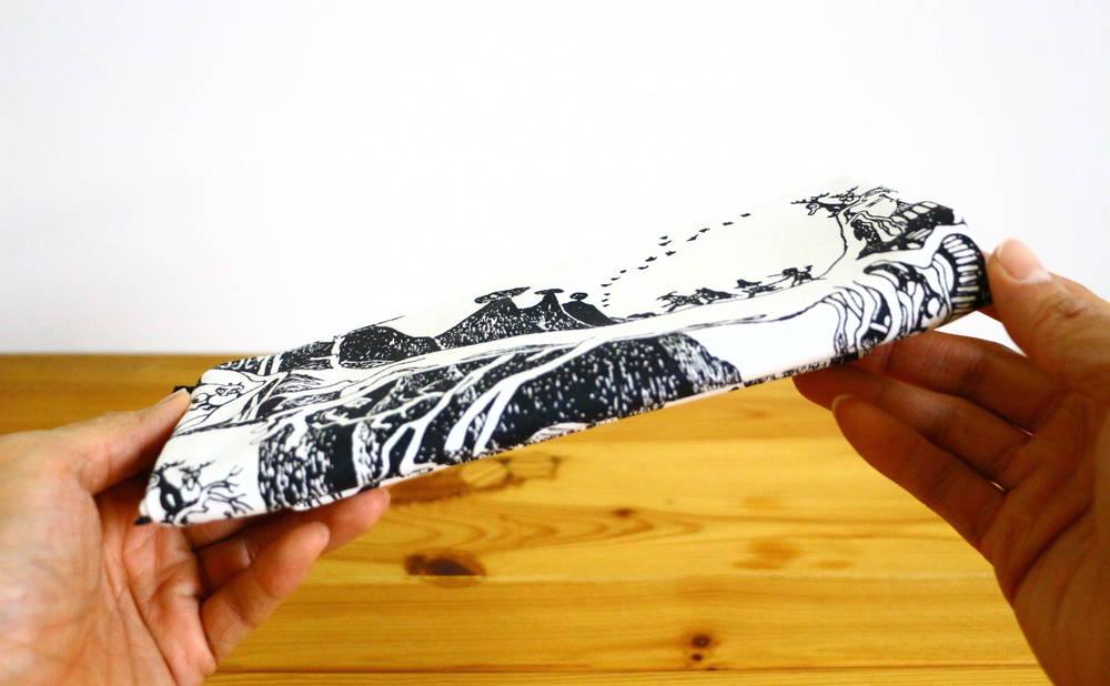 フィンレイソンムーミンポーチ(大)折り畳んだ後画像